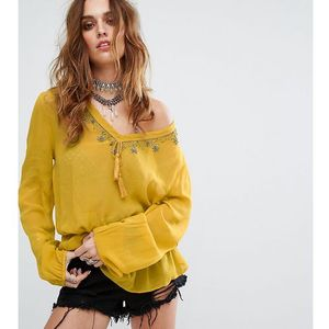 Sacred Hawk Festival Relaxed Blouse With Delicate Beading And Tassel Trim - Yellow