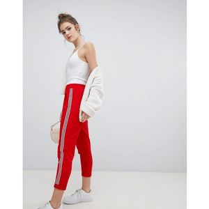 Bershka wide side stripe peg leg in red - Red