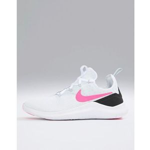 Nike training free tr 8 trainers in white with pink swoosh - white